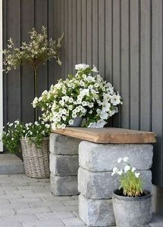 Adorable 30 DIY Bench Seating Area for Backyard Landscaping Ideas https://decorapartment.com/30-diy-bench-seating-area-backyard-landscaping-ideas/