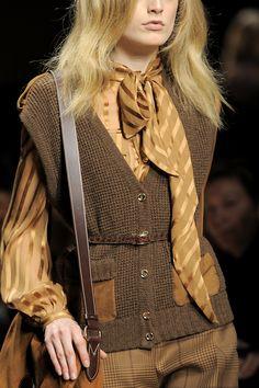 Salvatore Ferragamo, Milan Fashion Week, Fall 2010, blouse, elegance, bows