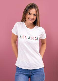 prendas bonitas que llenan el alma V Neck, T Shirts For Women, Tops, Fashion, Clothing Stores, T Shirts, Feminine, Moda, Fashion Styles
