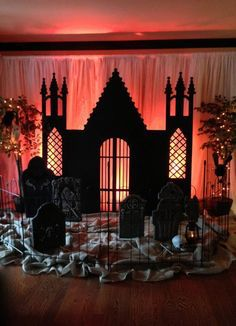 There are lots of decorating ideas that may be adapted for a Halloween party. Halloween Party Ideas for Teenagers are fun as you receive an opportunity to be a tiny kid again for the evening. It is one holiday that is all about scary fun. Halloween Prop, Halloween Tanz, Halloween Fotos, Halloween Garage, Halloween Backdrop, Halloween Karneval, Halloween Birthday, Diy Halloween Decorations, Holidays Halloween