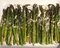 Our Silver Palate crispy roasted Asparagus recipe is the perfect side dish for a spring meal. Easy Dinner Recipes, Breakfast Recipes, Silver Palate Cookbook, Gremolata Recipe, Asparagus Recipe, Spring Recipes, Side Dishes, Roast, Healthy Eating
