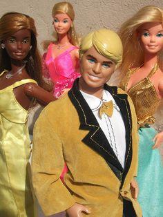 Ken y Barbies Barbie 80s, Play Barbie, Vintage Barbie Dolls, Barbie World, Barbie And Ken, Barbie Family, Beautiful Barbie Dolls, Living Dolls, Ken Doll