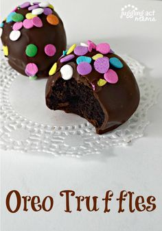 Oreo Truffles enrobed in decadent dark chocolate via Juggling Act Mama as seen on Miss Information - make a fabulous quick gift for Mother's Day, Teacher Appreciation Week, or just because!