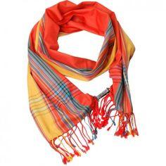 """Der orange-rote Baumwoll-Schal """"Kikoi"""" mit Streifen ist der idealer Begleiter für dein Tages- und Wohlfühl-Outfit. Das Label Glück & Selig steht für Leidenschaft, Kultur und außergewöhnliche Kreationen. Versandkostenfrei bei melovely.de"""