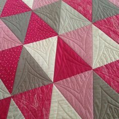 On the machine today - a lovely quilt for a young girl with a request for simple custom quilting #quiltsonbastings #freemotionquilting #customerquilt #longarmquilting