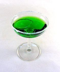 Green Apple Martini  Ingredients:  Cinnamon and sugar for rimming glass  1/3 cup vodka  1/3 cup sour-apple schnapps  1/3 cup lemonade  1/3 cup lemon-lime soda (such as 7-Up or Sprite)