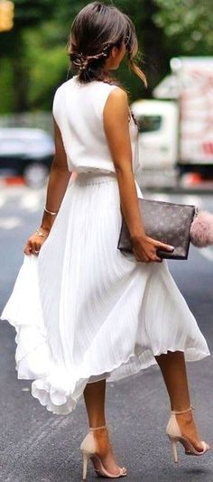 #summer #elegant #feminine | All White + Pop Of Nude