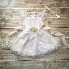 Flower girl dress white, lace dress, white dress, vintage inspire, lace toddler dress, flower girl dress, lace dress with sash and headband by BabyLiloHairBoutique on Etsy https://www.etsy.com/au/listing/250125543/flower-girl-dress-white-lace-dress-white