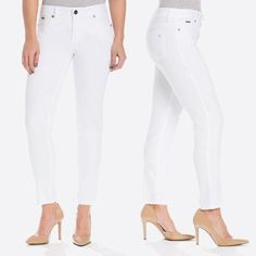 Best white jeans for your body shape Best White Jeans, White Denim, The Chic, Body Shapes, Capri Pants, Black And White, How To Wear, Shopping, Fashion