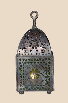 Handgemaakte decoratieve lantaarn in de grote uitvoering. Super gezellig met de donkere dagen of de romantische zomers