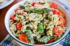 Basil, Walnut and Kale Pesto. Maybe this will disguise the 'fresh mowed lawn' taste of the kale. Pesto Vegan, Kale Pesto, Vegan Pasta, Pesto Pasta, Asparagus Pasta, Pesto Salad, Tomato Pesto, Basil Pesto, Asparagus Recipe