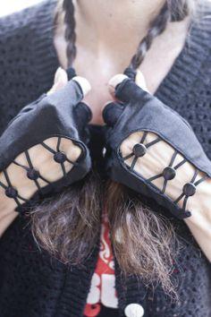 Socks by Sock Dreams » .Accessories » Gloves » Criss Cross Button Fingerless Gloves