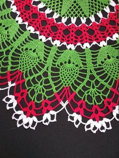 Large green red inches-christmas doily-crochet doily-christmas decor-gift for christmas-green tablecloth Crochet Dollies, Crochet Quilt, Crochet Doily Patterns, Filet Crochet, Green Tablecloth, Crochet Tablecloth, Crochet Sunflower, Crochet Flowers, Lidia Crochet Tricot