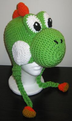 Super Mario inspired Yoshi Hats by ByNataly on Etsy Crochet Kids Hats, Crochet For Boys, Crochet Beanie, Crochet Crafts, Crochet Projects, Crochet Lace Edging, Crochet Super Mario, Yoshi Costume, Fiestas