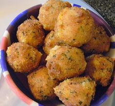 Loaded Potato Bites Recipe: - 2 cups leftover mashed potatoes - 2 tablespoons of flour - cup of shredded cheddar cheese - 3 strips bacon - cup scallions, chopped - 1 egg - 1 ¼ - 1 ½ cups Italian bread crumbs - Oil for frying - Salt and Pepper Loaded Mashed Potatoes, Leftover Mashed Potatoes, Loaded Potato, Cheese Potatoes, Peeling Potatoes, Baked Potatoes, Think Food, Love Food, Appetizer Recipes