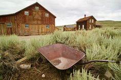 Great site with pictures of Ghost Towns. I love it!