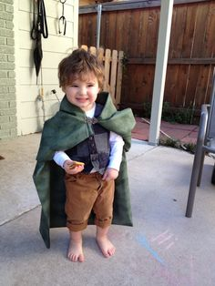 toddler hobbit costume kids halloween @Emalie Spann Hoar !!! haha I thought of Richard immediately