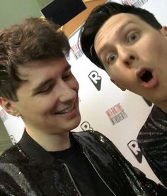 What is Dan even looking at? No, that's not the camera sweetie- NO look UP HERE DAN