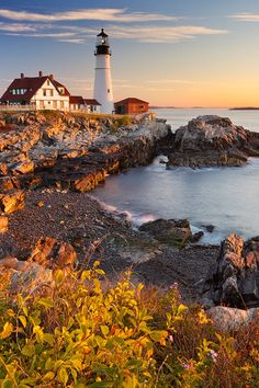 A Tour of 17 Iconic East Coast Lighthouses and the Stories Behind the Structures that Saved American Sailors: From Whale Oil to Windy Nights East Coast Lighthouses, Maine Lighthouses, Solo Travel, Travel Usa, Landscape Photography, Nature Photography, Scenic Photography, Winter Photography, Places To Go