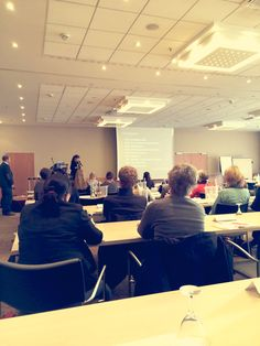 Die Begrüßung und Vorstellung des Tagesprogramms übernahm Rebecca Belvederesi-Kochs, Geschäftsführerin von Social Media Aachen. #SMDAC13 #Aachen
