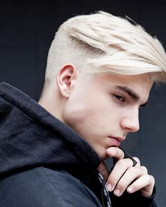 Looking for the best & trendy medium length hairstyles and haircuts for men? Believe me, you're gonna love these hairstyles & haircuts for Short Hair Undercut, Undercut Hairstyles, Hairstyles Haircuts, Haircuts For Men, Men Undercut, Latest Hairstyles, Undercut Pompadour, Blonde Hairstyles, Short Haircuts