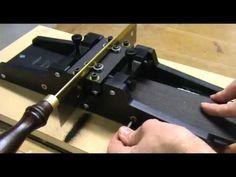 Luthier Tips du Jour - Manual fret Slotting