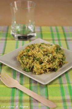 Riso basmati al curry con verdure un primo piatto vegetariano ottimo e salutare che ricorda i sapori orientali per l'uso di spezie e riso basmati