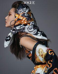 Sunghee Kim Models Colorful Styles for Vogue Korea - The Best Fashion İdeas For Ladies Fashion Poses, Dope Fashion, Swag Fashion, Turbans, Headscarves, Vogue Korea, Oriental Fashion, Photoshoot Inspiration, Vogue Magazine