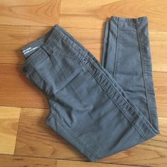 Army green ankle denim legging Army green ankle denim legging. Size 9 but runs very small, more like a size 2/4 Mossimo Supply Co Pants Ankle & Cropped