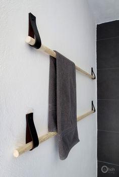 DIY towel hanger by Ama Ryllis Use to hang tapestries, woven art work, fabric.