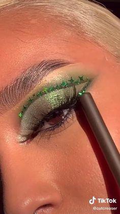 70s Makeup, Edgy Makeup, Baddie Makeup, Makeup Eye Looks, Cute Makeup, Eyeshadow Looks, Skin Makeup, Eyeshadow Makeup, Disco Makeup