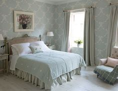 Get your guest room ready for spring with some quick and simple updates - susie watson designs susie-watson-easter-guest-room-make-over