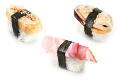 This website shows how to make sushi at home. Recipes, tutorials and everything! Nigiri Sushi, Sashimi, Sushi At Home, Japanese Food, Japanese Recipes, How To Make Sushi, Oriental Food, Sushi Rolls, Asian Cooking