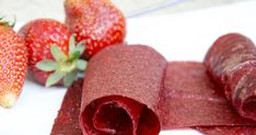 Strawberry paper by crustycorner Raw Food Recipes, Sweet Recipes, Healthy Recipes, Healthy Food, Fruit Roll Ups, Dehydrator Recipes, Food Decoration, Granola, Sweet Tooth