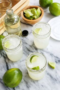 Margaritas for One AND for a Crowd (super easy cocktail recipe!)