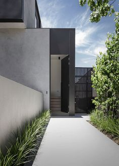 Interior Design Addict: BOSS entrance vibes by we love the cladding integration and colors! Modern Architecture Design, Minimalist Architecture, Facade Design, Beautiful Architecture, Exterior Design, Interior Architecture, Yard Design, House Design, Home Building Design
