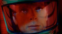 A obsessão de Kubrick pela cor vermelha.