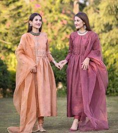 500 Best Pakistani Fashion Images In 2020 Pakistani Fashion Fashion Pakistani Dresses