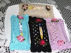 Hooks And Laces: pocket tissue cover Crochet Cap, Crochet Gifts, Crochet Doilies, Crochet Flowers, Free Crochet, Tissue Box Covers, Tissue Holders, Broomstick Lace, Dorset Buttons