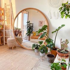 Bohemian Latest and Stylish Home Decor Design and Lifestyle Ideas ., Bohemian Latest and Stylish Home Decor Design and Lifestyle Ideas # Bohemian # Home Decor Design Ideas # Latest Aesthetic Room Decor, Stylish Home Decor, Cool Home Decor, Stylish Interior, Interior Office, Interior Livingroom, Cheap Home Decor, Room Interior, Room Ideas Bedroom