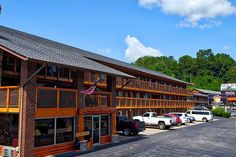 Gatlinburg - 3 nights with indoor water park tickets - only $59