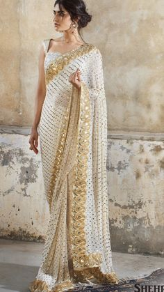 Indian Clothes, Indian Outfits, How To Wear A Sari, Givenchy Sweater, Elegant Saree, Fashion Updates, Saree Blouse Designs, Kurtis, Anarkali