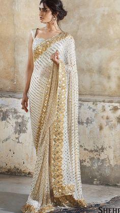 Indian Clothes, Indian Outfits, How To Wear A Sari, Givenchy Sweater, Elegant Saree, Fashion Updates, Saree Blouse Designs, Kurtis, Anarkali