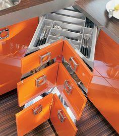 Space-saving corner kitchen drawers