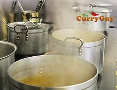 In this post I show you how to make the famous curry gravy/sauce that Indian restaurant chefs use to produce all the famous curries from korma to vindaloo. Curry Recipes, Sauce Recipes, Cooking Recipes, Tandoori Recipes, Indian Food Recipes, Asian Recipes, New Recipes, Curry Gravy Recipe, Cooking Curry