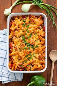 Sausage, Paprika, Onion and Tomato Pasta Casserole. Pasta Casserole, Casserole Recipes, Oven Dishes, Penne, Quiche, Macaroni And Cheese, Sausage, Pizza, Tasty