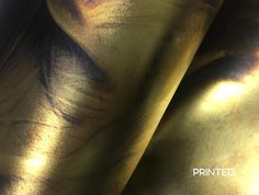 Special effect Gold Flash wallcovering. See our website and make your dream wall come true. Dream Wall, Special Effects, Dreaming Of You, Digital Prints, Website, Gold, Tights, Fingerprints