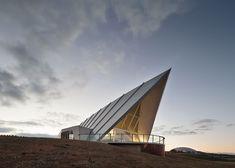 Pavilion by Zulaikha Greer Architects in landscaped Australian park