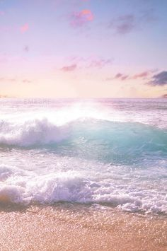 beautiful waves crashing on the beach, aahhh No Wave, Ocean Beach, Ocean Waves, Big Waves, Summer Beach, Beach Waves, Pink Ocean, Beach Sunrise, Pink Beach
