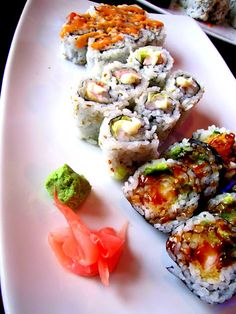 sushi sushi sushi sushi sushi sushi how i wish i could eat it!!